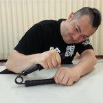 画像2: アームレスリング剛腕トレーニングマシーン「パワーアーム」 (2)